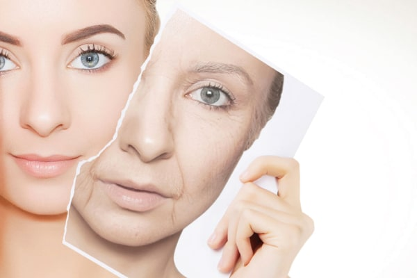 You are currently viewing How to Diminish Signs of Aging using Skincare Products
